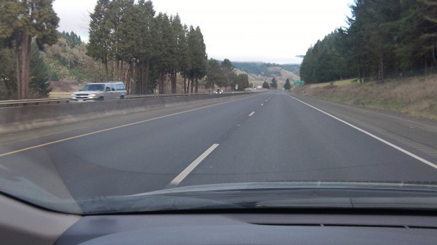 It's a pleasure to drive on I-5, especially when it's empty as here between Sutherlin and Cottage Grove.