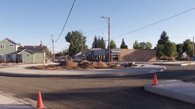Main Street circle: It looks nice and round.