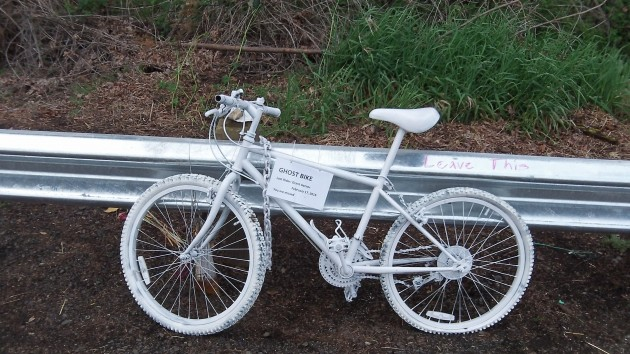 The white-painted bicycle appeared between the afternoons of Tuesday and Wednesday.