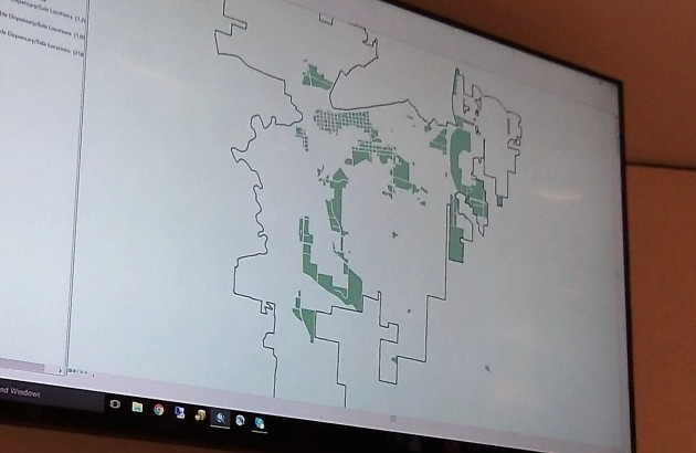Parts of Albany zoned for retail generally are highlighted in green.